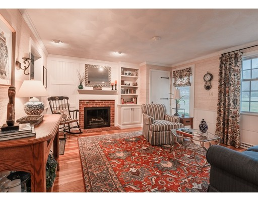 Picture 7 of 21 Clover Hill Dr  Chelmsford Ma 4 Bedroom Single Family