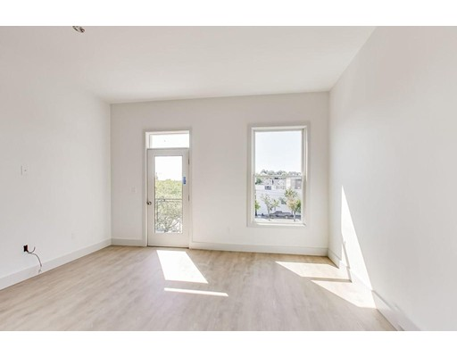 Picture 3 of 163 Glen St Unit 302 Somerville Ma 2 Bedroom Condo