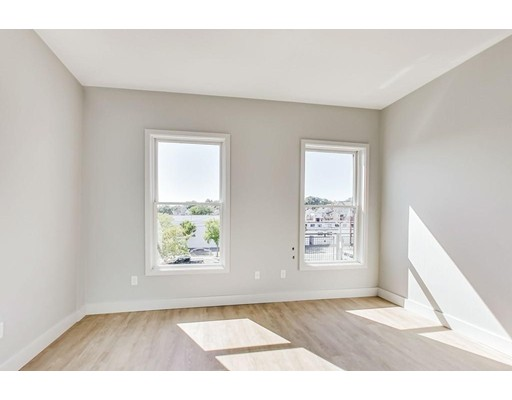 Picture 10 of 163 Glen St Unit 302 Somerville Ma 2 Bedroom Condo