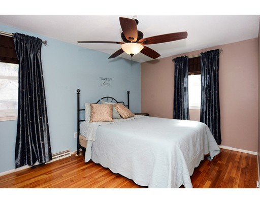 Picture 12 of 10 Amburg St  Georgetown Ma 3 Bedroom Single Family