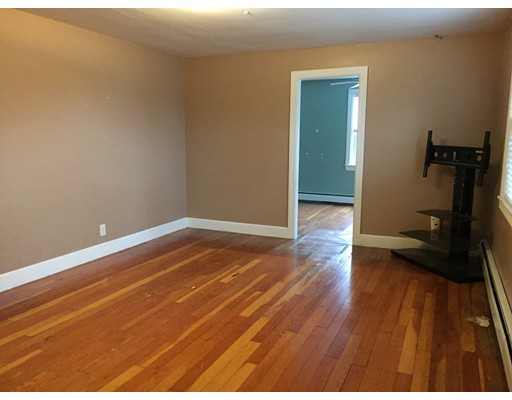 Picture 5 of 43 Lincoln St  Methuen Ma 4 Bedroom Single Family