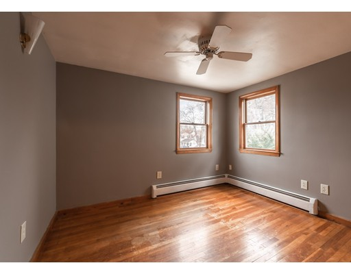 Picture 5 of 127 Hillcrest Rd  Dracut Ma 2 Bedroom Single Family