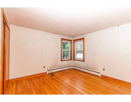 Picture 13 of 57 Richard St  Saugus Ma 3 Bedroom Single Family