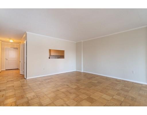 Picture 2 of 6 Whittier Place Unit 7l Boston Ma 0 Bedroom Condo