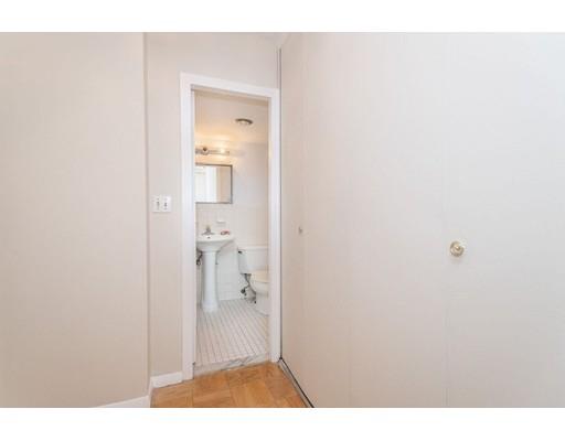 Picture 6 of 6 Whittier Place Unit 7l Boston Ma 0 Bedroom Condo