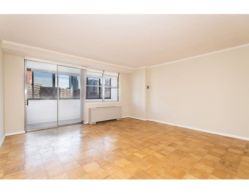 Property for sale at 6 Whittier Place - Unit: 7L, Boston,  Massachusetts 02114