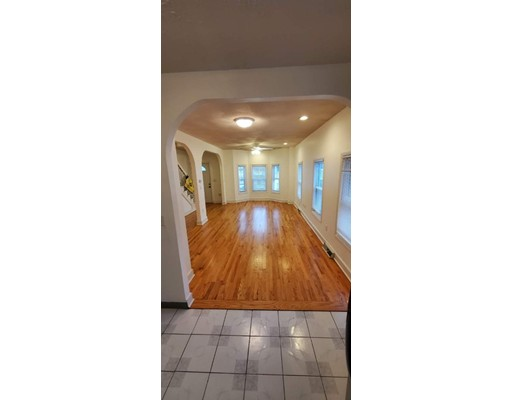 Pictures of  property for rent on Main St., Everett, MA 02149