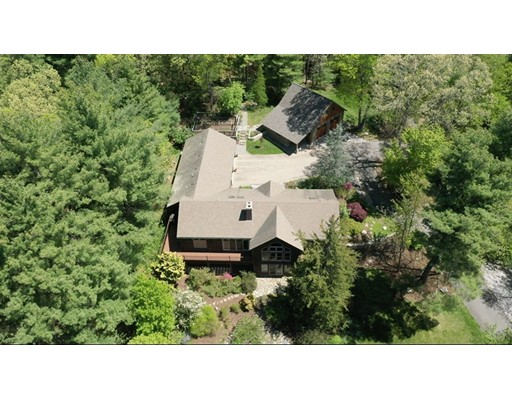 Picture 3 of 445 Conant Rd  Weston Ma 4 Bedroom Single Family