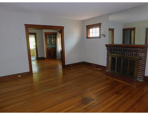 Picture 4 of 136 Elliot Ave  Quincy Ma 2 Bedroom Single Family
