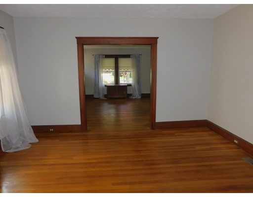 Picture 6 of 136 Elliot Ave  Quincy Ma 2 Bedroom Single Family