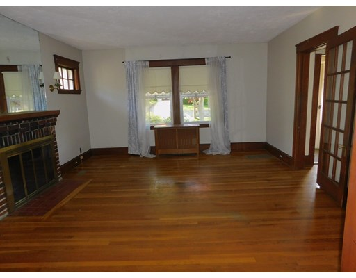 Picture 7 of 136 Elliot Ave  Quincy Ma 2 Bedroom Single Family