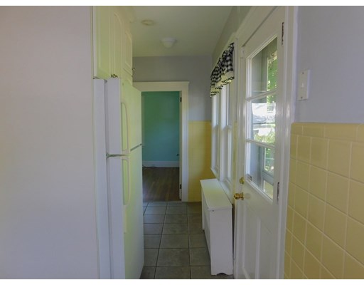 Picture 11 of 136 Elliot Ave  Quincy Ma 2 Bedroom Single Family