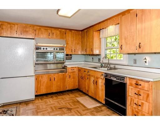 Picture 7 of 515 Concord  Sudbury Ma 3 Bedroom Single Family