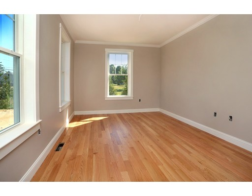 Picture 6 of 165 Orchard St  Newbury Ma 4 Bedroom Single Family
