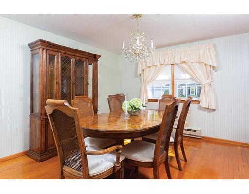 Picture 4 of 114 Huntington Rd  Milton Ma 4 Bedroom Single Family