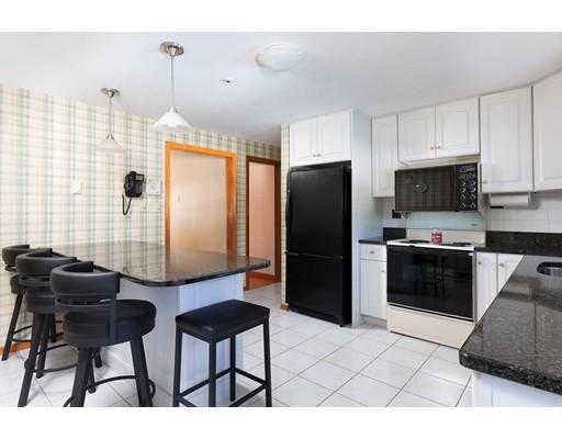 Picture 5 of 114 Huntington Rd  Milton Ma 4 Bedroom Single Family