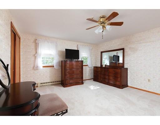 Picture 8 of 114 Huntington Rd  Milton Ma 4 Bedroom Single Family