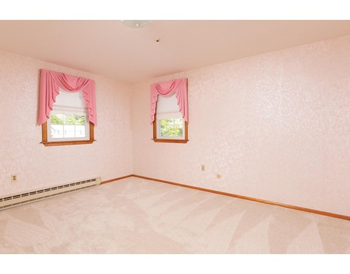 Picture 9 of 114 Huntington Rd  Milton Ma 4 Bedroom Single Family