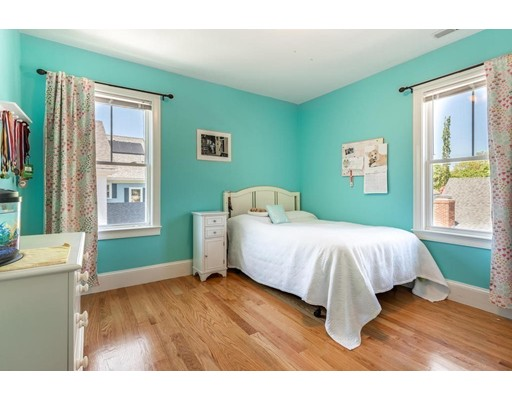 Picture 11 of 110 Bedford St  Lexington Ma 4 Bedroom Single Family