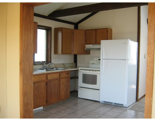 Picture 4 of 65 North End Blvd  Salisbury Ma 1 Bedroom Single Family