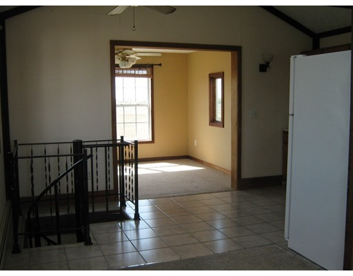 Picture 5 of 65 North End Blvd  Salisbury Ma 1 Bedroom Single Family