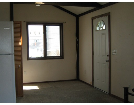 Picture 7 of 65 North End Blvd  Salisbury Ma 1 Bedroom Single Family
