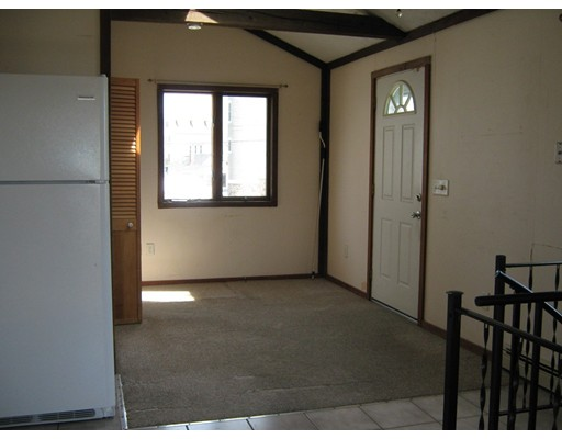 Picture 8 of 65 North End Blvd  Salisbury Ma 1 Bedroom Single Family