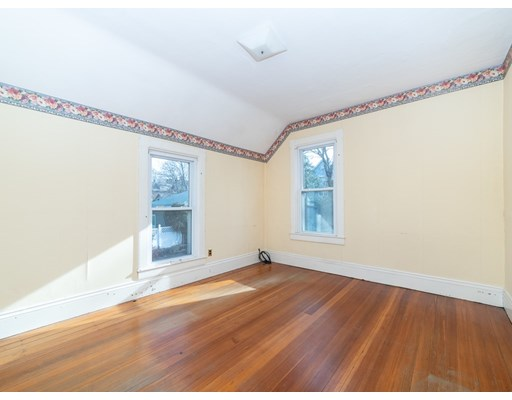 Picture 9 of 19 Wellsmere Rd  Boston Ma 3 Bedroom Single Family