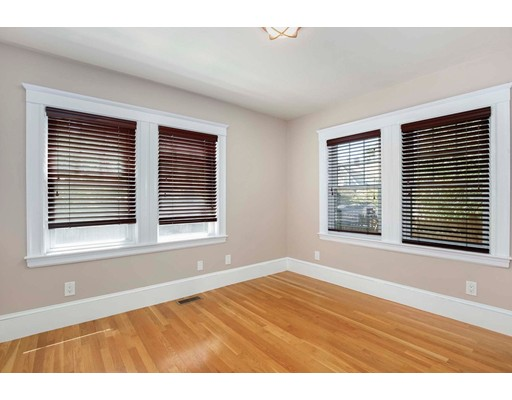 Picture 10 of 6 Hanson St  Wakefield Ma 3 Bedroom Single Family