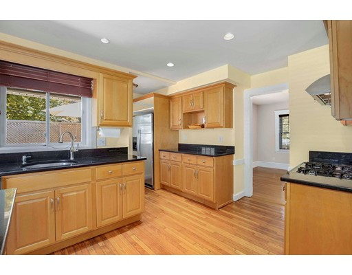 Picture 13 of 6 Hanson St  Wakefield Ma 3 Bedroom Single Family