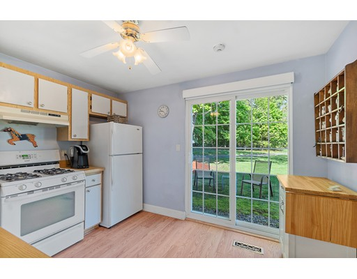 Picture 5 of 76 Kennedy Dr Unit 76 Chelmsford Ma 2 Bedroom Condo