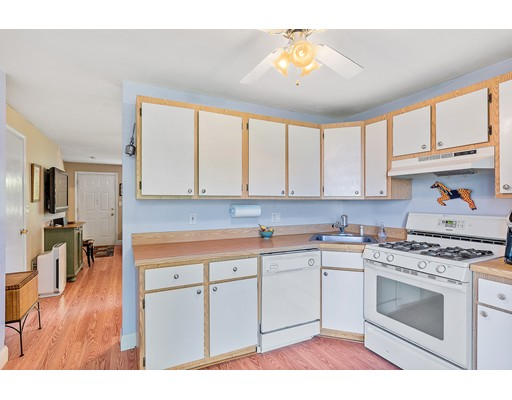 Picture 7 of 76 Kennedy Dr Unit 76 Chelmsford Ma 2 Bedroom Condo