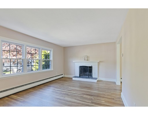 Picture 2 of 22 Beverly Ave  Marblehead Ma 3 Bedroom Single Family