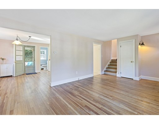 Picture 4 of 22 Beverly Ave  Marblehead Ma 3 Bedroom Single Family