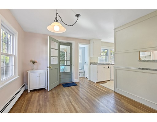 Picture 8 of 22 Beverly Ave  Marblehead Ma 3 Bedroom Single Family