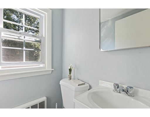 Picture 9 of 22 Beverly Ave  Marblehead Ma 3 Bedroom Single Family