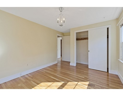Picture 11 of 22 Beverly Ave  Marblehead Ma 3 Bedroom Single Family