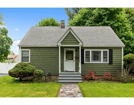 Winchester Ave, Worcester, MA 01603