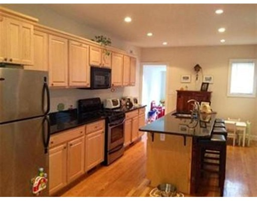 879 E 4th St, Boston, Massachusetts, MA 02127, 4 Bedrooms Bedrooms, 7 Rooms Rooms,Rental,For Rent,4851631