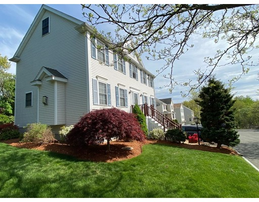 Picture 2 of 17 Parlee St  Salem Ma 3 Bedroom Single Family