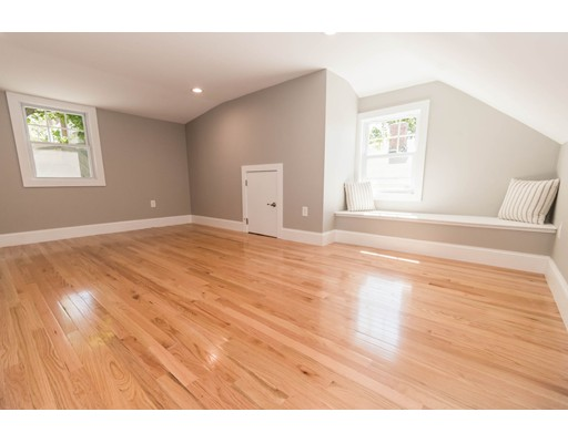 Picture 13 of 44 Barstow St  Salem Ma 4 Bedroom Single Family