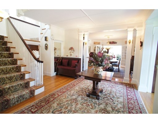 Picture 3 of 28 Glendale Rd  Quincy Ma 4 Bedroom Single Family