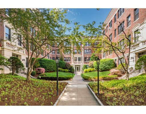 Property for sale at 145 Englewood Ave - Unit: 33, Boston,  Massachusetts 02135