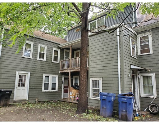 Picture 4 of 10 Becket St  Salem Ma 11 Bedroom Multi-family