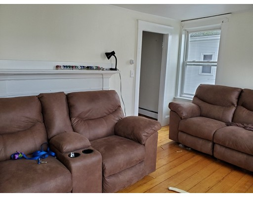 Picture 11 of 10 Becket St  Salem Ma 11 Bedroom Multi-family