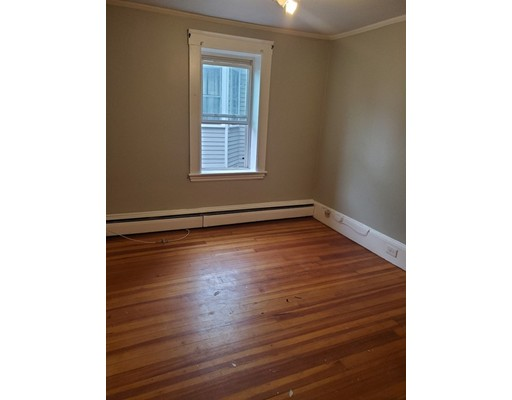 Picture 13 of 10 Becket St  Salem Ma 11 Bedroom Multi-family