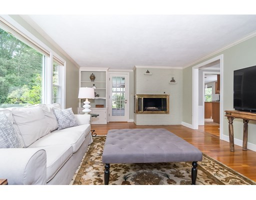 Picture 6 of 26 Skyline Dr  Wellesley Ma 4 Bedroom Single Family