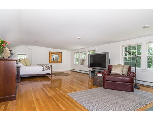Picture 11 of 26 Skyline Dr  Wellesley Ma 4 Bedroom Single Family