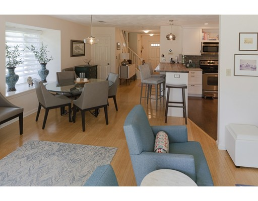 Picture 10 of 2 Indian Hill Lane Unit 406 Salem Ma 2 Bedroom Condo