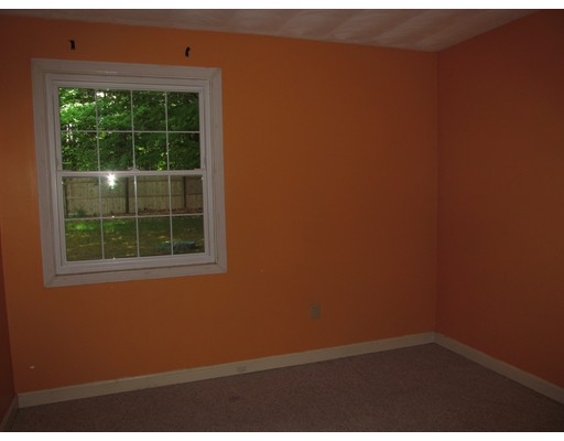 Picture 9 of 10 Algonquin Rd  Chelmsford Ma 5 Bedroom Single Family